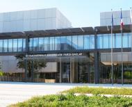 ENS Paris-Saclay - façade rue des Sciences à Gif-sur-Yvette