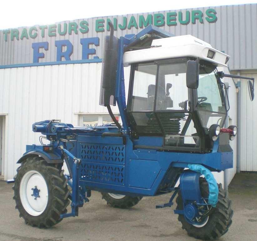 TRACTIS, tracteur enjambeur 3 roues motrices