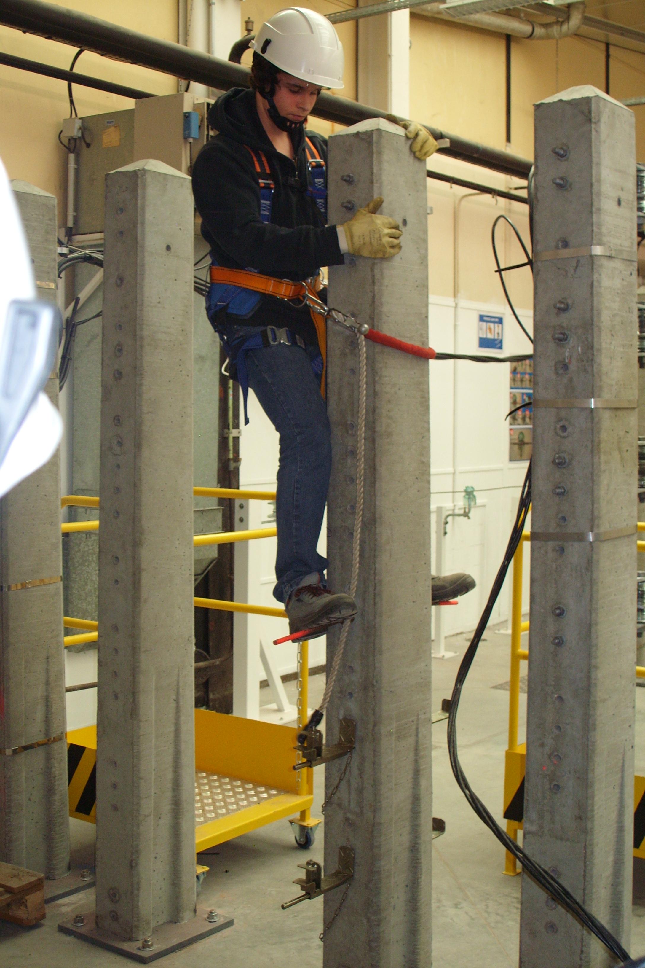 Comment devenir monteur en reseaux de distribution electrique
