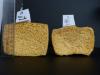 Comparaison des tailles de l'éponge A (eau seule) et de l'éponge D (agar-agar à 2%) après séchage