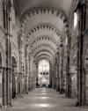 Voûte en berceau (arcs en plein cintre) de la basilique Sainte-Marie-Madeleine de Vézelay